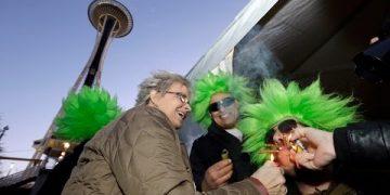 seattle cop marijuana tickets