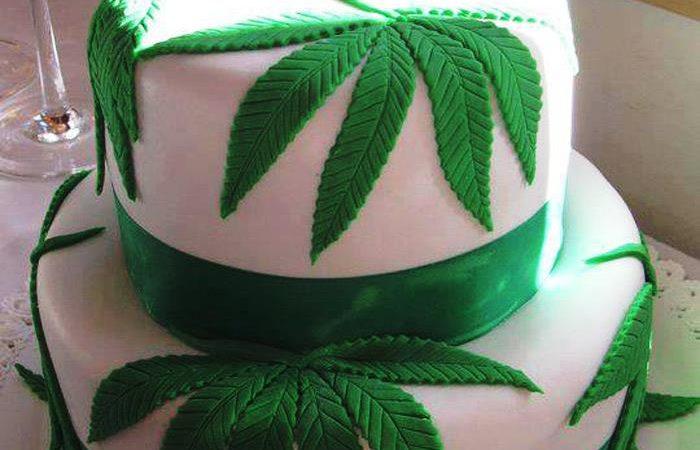 Weed Wedding Cake for stoner couples ?