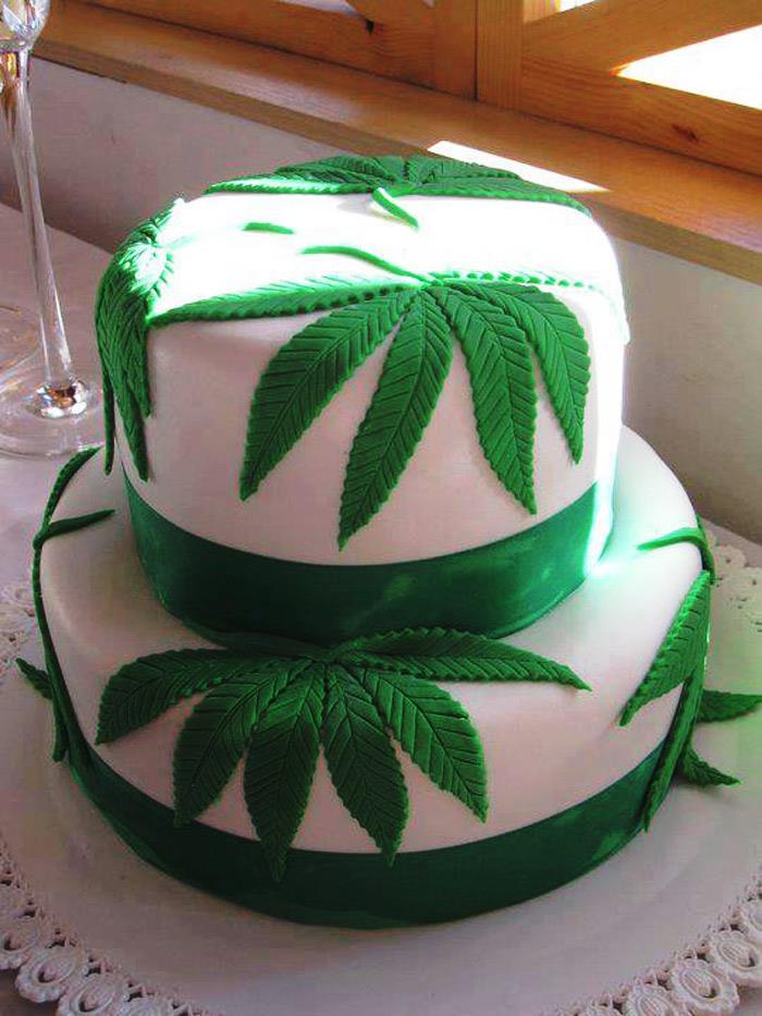 stoners wedding cake